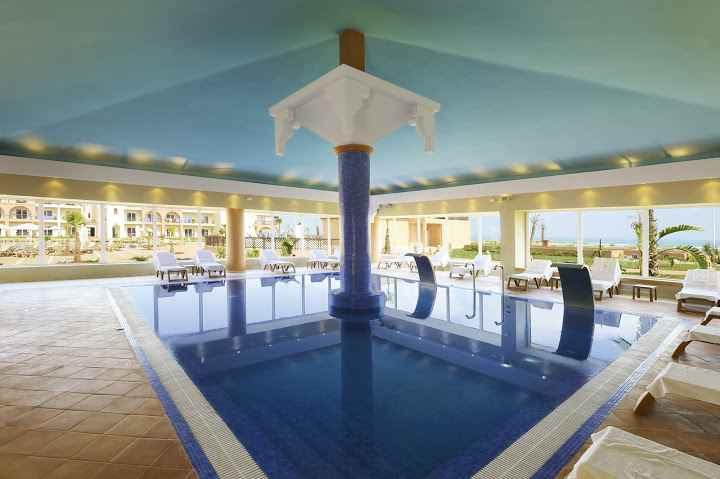 Be Live Saidia piscine intérieure
